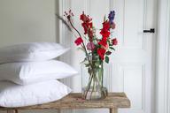 Klassisch weiße Bettwäsche in ihrer schönsten Form.